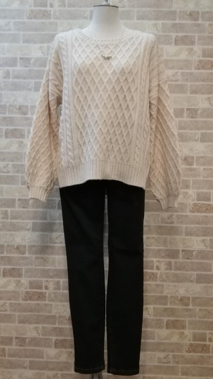 泉里香さんが着用♥ケーブル編みニット♥