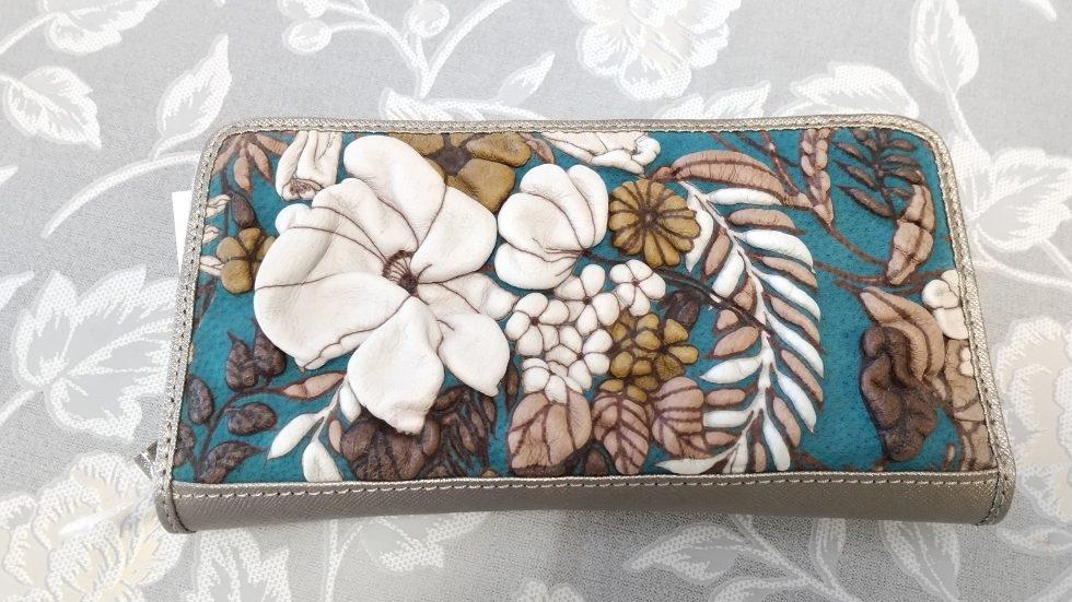 デコブランシェ財布